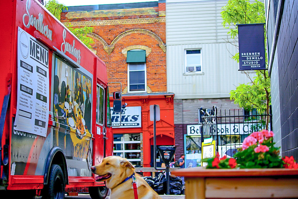 Southern Sundayz food truck in downtown Barrie